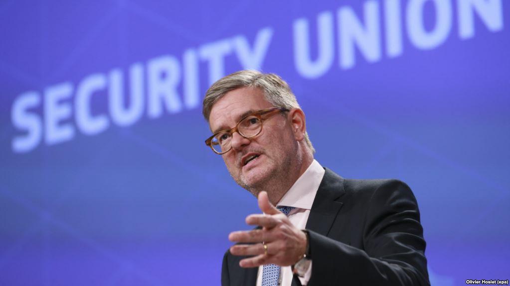 RFE/RL: EU Issues Call To Action To Combat Russian 'Propaganda'