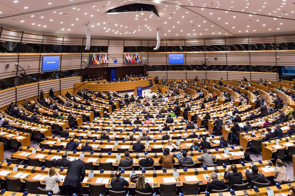 Ujszo: Európai választás orosz beavatkozással