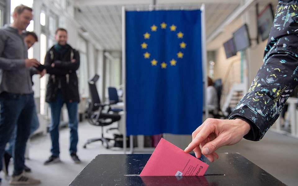 Kathimerini: Πυρετός στις ομάδες κρούσης της Ε.Ε. κατά των fake news