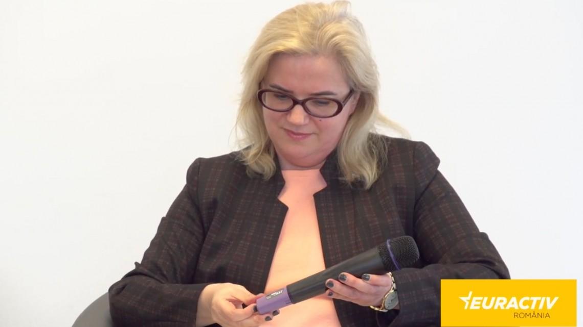 Euractiv: Interviu Bârgăoanu, expert Comisia Europeană: Dezinfomarea evoluează în timp real, în timp ce vorbim
